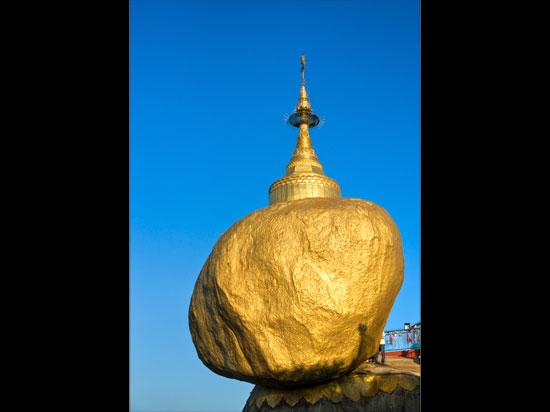 (Image) myanmar rocher d or  fotolia