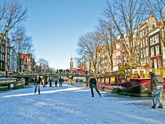 pays bas amsterdam hiver  fotolia
