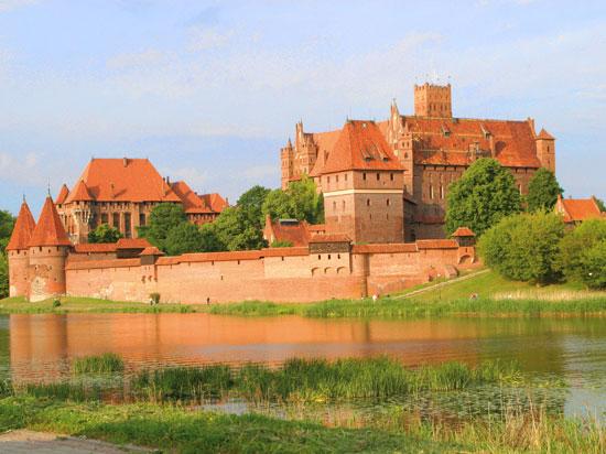 (Image) pologne malbork chateau de malbork  istock