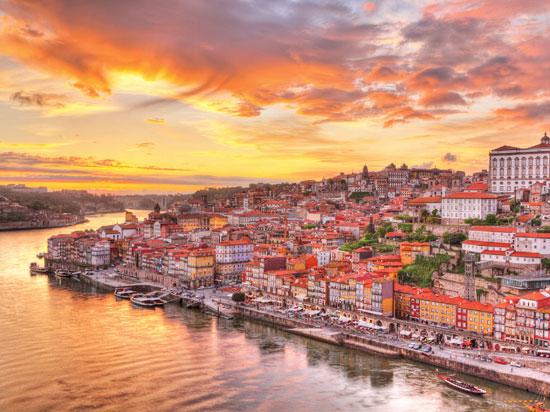 portugal porto hiver  fotolia