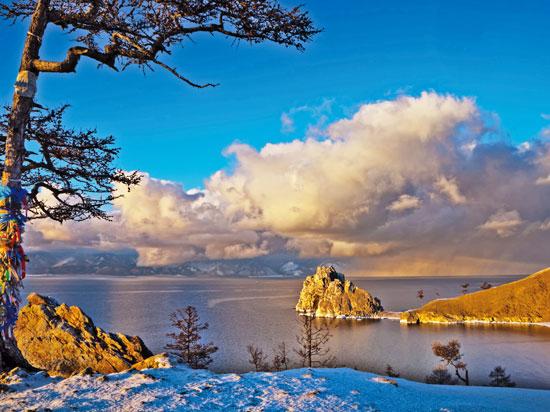 russie lac baikal hiver  fotolia