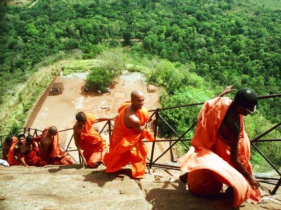 sri lanka mont sirigiya moines