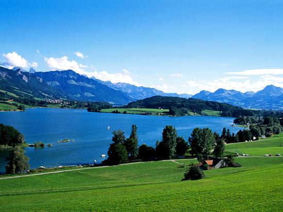 suisse gruyere lac