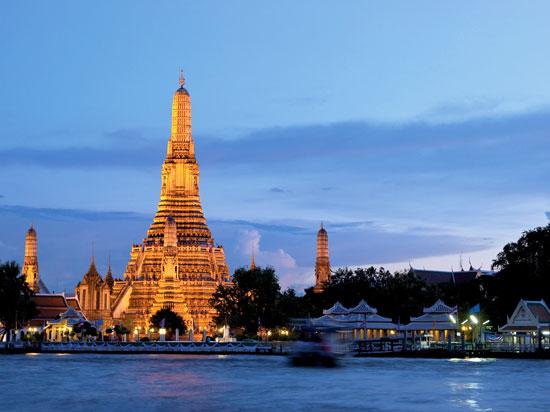 thailande bangkok temple de wat arun  fotolia