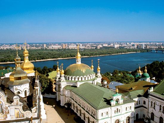 ukraine kiev laure kievo petchersk dniepr  istock